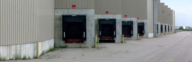 Loading dock in a logistic hub